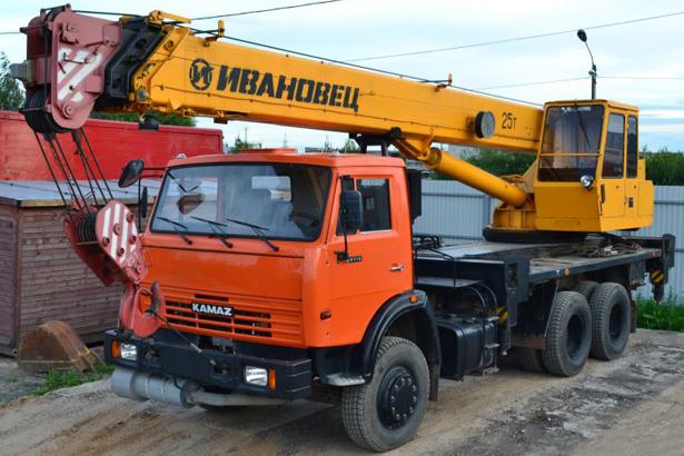 Аренда автокрана 25 тонн Ивановец в Санкт-Петербурге